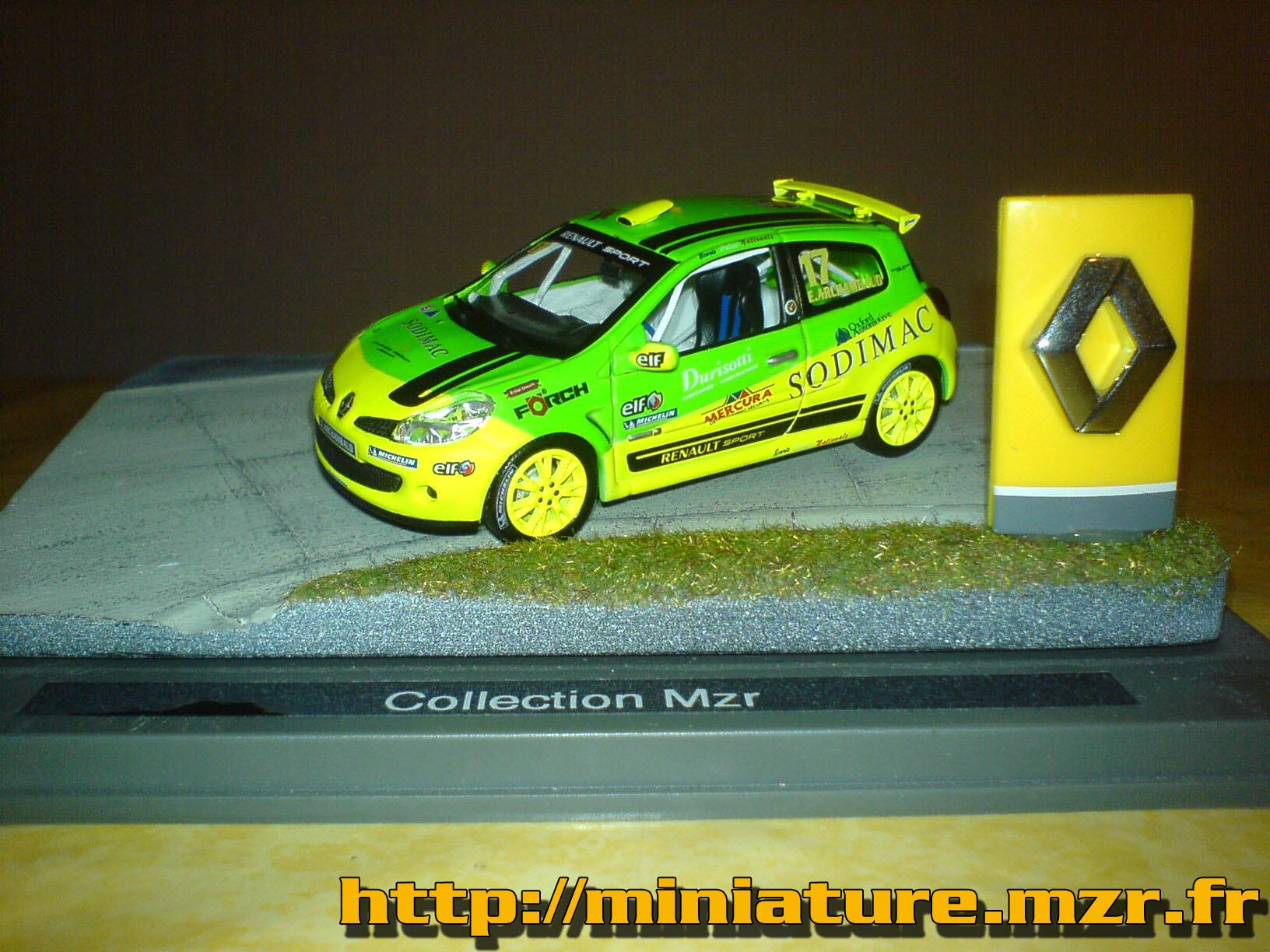 Renault Clio Cup Asami #17